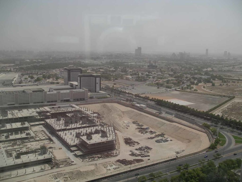 Blick vom Burj Khalifa Richtung Raffles Hotel