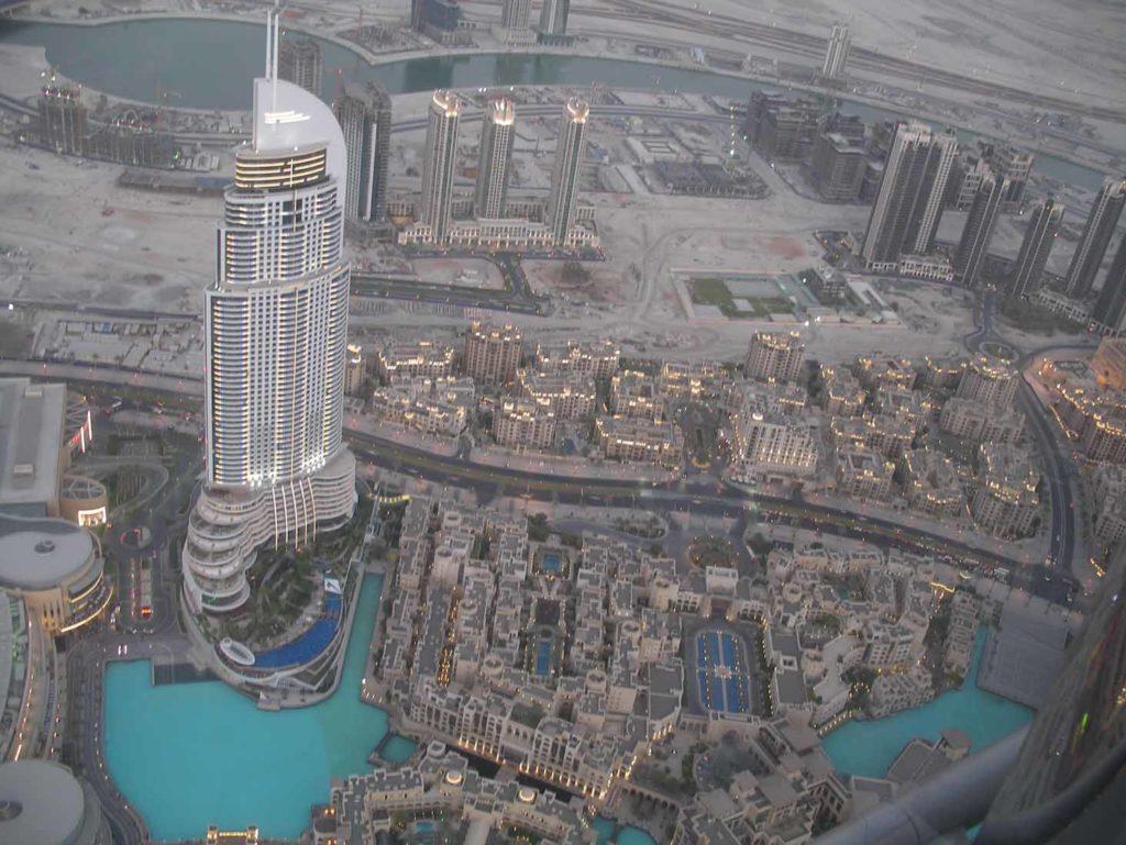 Blick vom Burj Khalifa auf Souk al Bahar