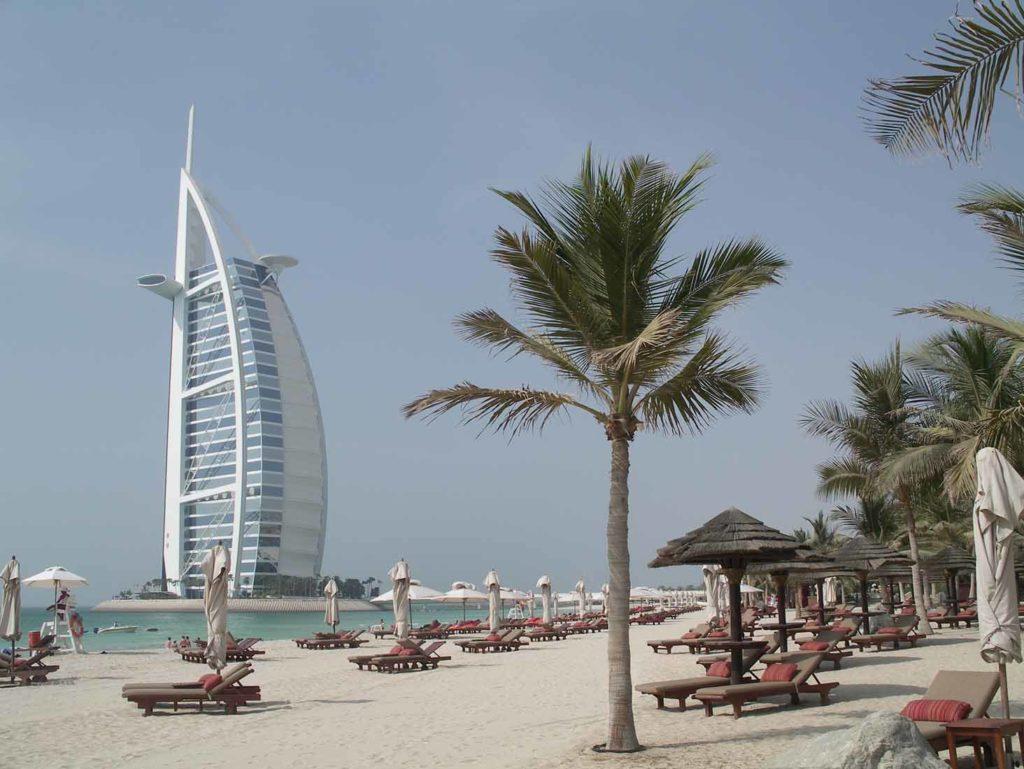 Strand Madinat mit Blick auf Burj al Arab